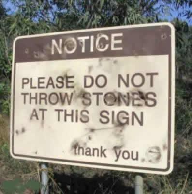 No tirar piedras